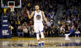 Los Warriors ganan con una lluvia de triples y siguen imparables